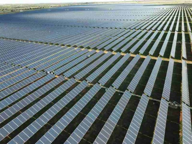 Bokamoso Solar plant commences commercial operations.